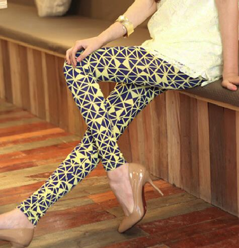 2017 fashion spring autumn new arrival Women Leggings high elastic plus size print graffiti fluorescent knitted legging2